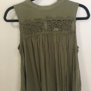 NWT Romeo + Juliet Couture Crochet Lace Top